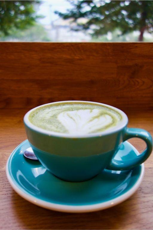 matcha latte et latte art