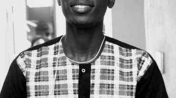 Wale Ayinla Nigerian writer, founder editor in chief dwarts magazine