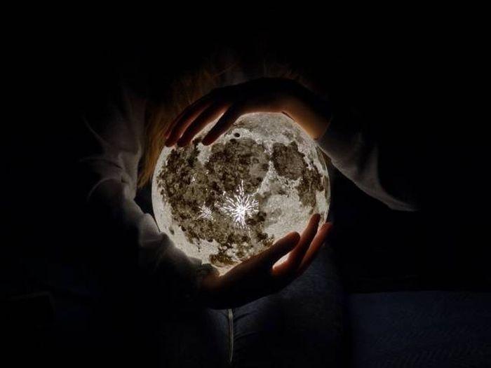 Светильники в форме планет от декоратора Марии Елены