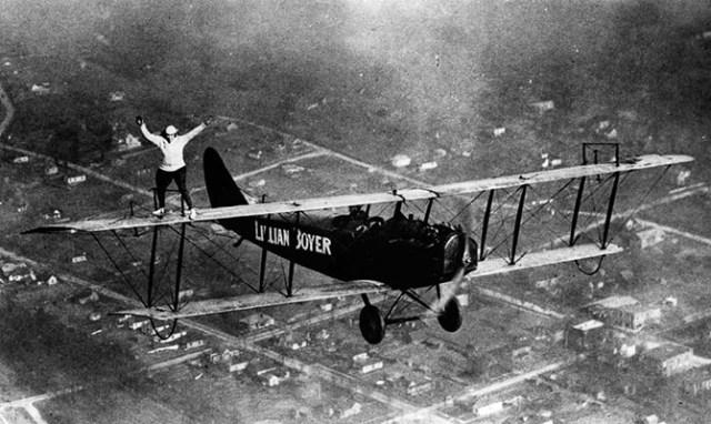 1919-1982 годы: главное — не смотреть вниз, или Ходоки по крыльям самолетов