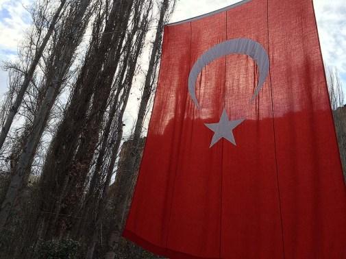 capadocia_tour_turquia_cidade_bandeira