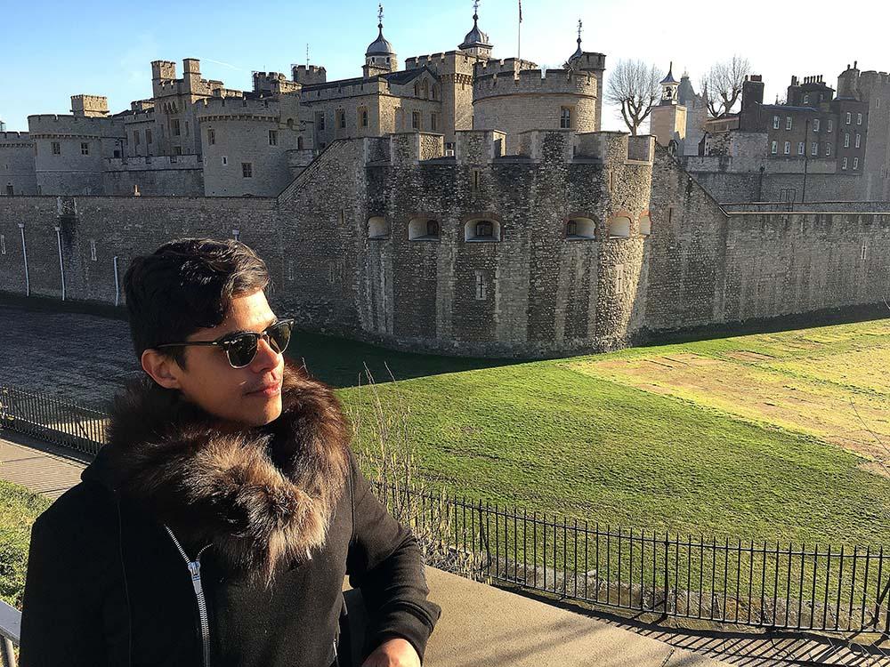Parada para foto com a Tower of London