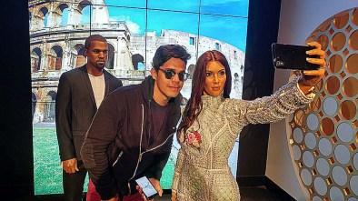 Não podia deixar de fazer uma selfie com a Kim, hahaha.