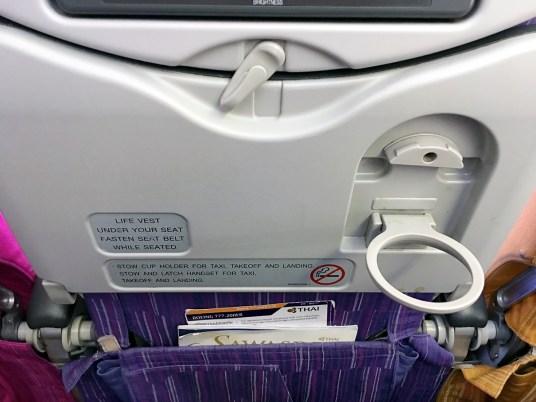 Porta copo: Classe econômica Thai Airways 777-200ER