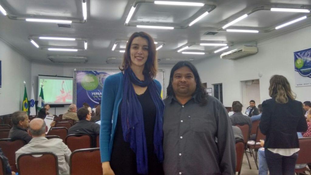Nicole Figueiredo de Oliveira, diretora da 350.org Brasil e América Latina e Eloy Jacinto, vereador de Santa Amélia
