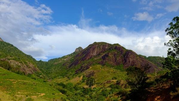 Pedra dos Binda - Via dos Bindas (3o, V, D1, E2, 420m)