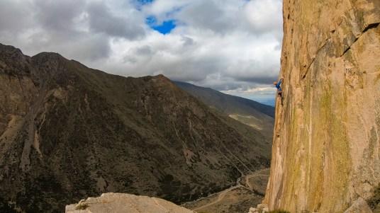 Escalador argentino na via Cinemascope (7a).
