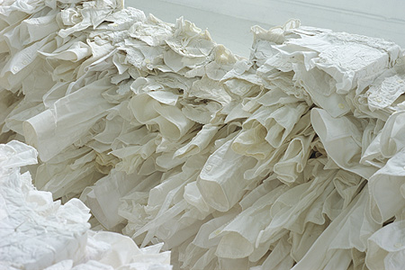 white coffin 2005 (detail2)