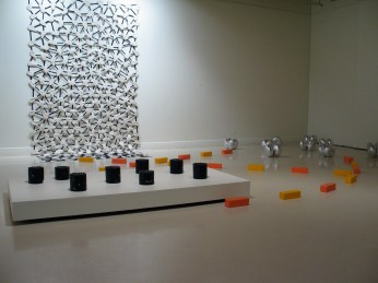 Concrete, polished steel, varnish, acrylic and glitter; cotton drill, synthetic fabric, wadding, thread; cast plaster and enamel paint; fabric, synthetic stuffing and thread