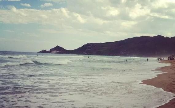 Praia Mole – a praia é mole, mas a areia é dura de andar…