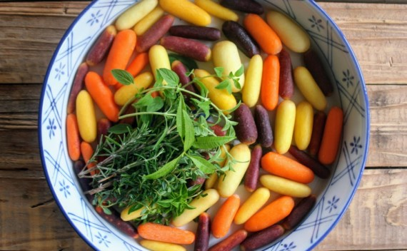 Qual tempero usar? Escolha a erva aromática certa e confira seus benefícios!