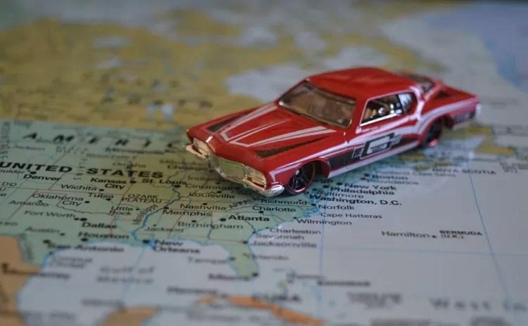 Cruzar a fronteira dos Estados Unidos com o Canadá de carro é melhor que ir de avião!