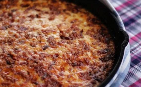 Batatas gratinadas com queijo e bacon