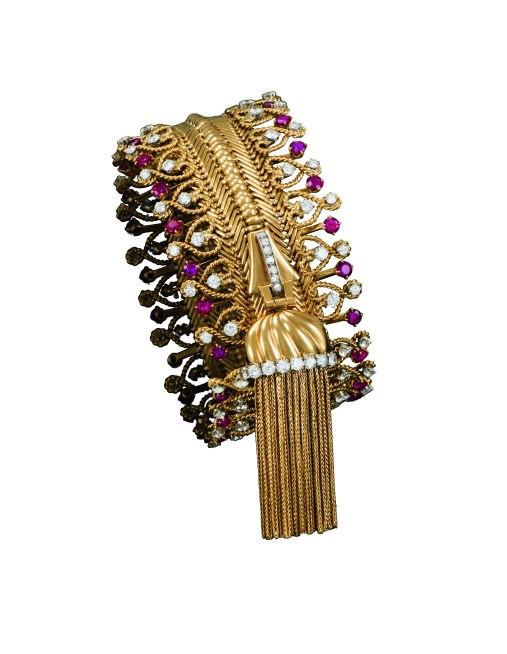 Zip necklace transformed into a bracelet, 1954 - Patrick Gries © Van Cleef & Arpels