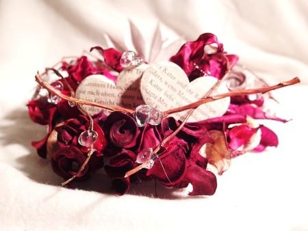 floral-arrangement-321421_640