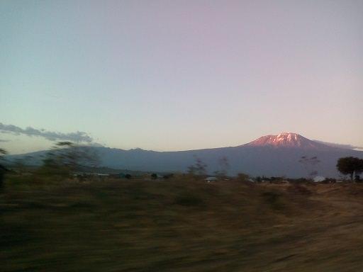 kilimanjyaro_fromroad