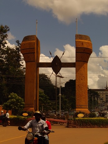 Road to Parliament Monument