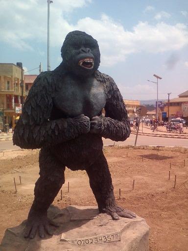 Gorilla Statue 2