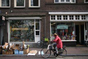 Kleine ondernemers in de Haarlemmerbuurt (Foto: Jasper Bol).