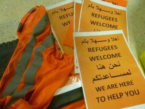 Hesje en borden Refugees Welcome Amsterdam (Foto: Melanie Zierse)