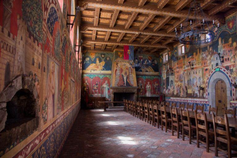 mural room (1 of 1)