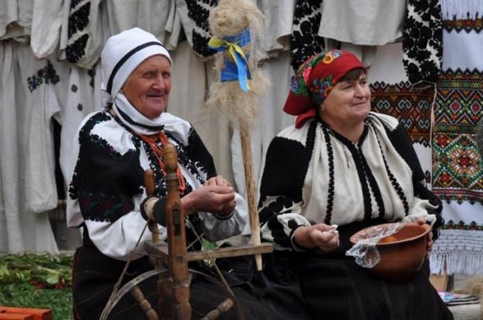 В Тернопольской области провели фестиваль народной вышивки (ФОТО)