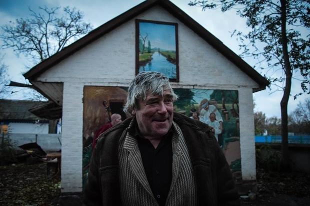 Пенсионер из Черкасс превратил свой двор в арт-галерею (ФОТО)