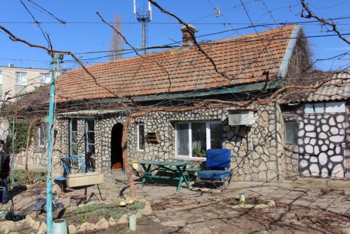 """Житель Овидиополя обустроил свой дом в стиле """"кантри"""""""