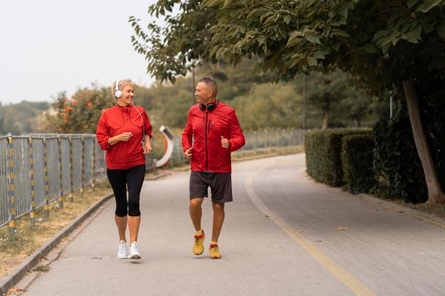Пенсия и спорт: как совместить без вреда для здоровья?
