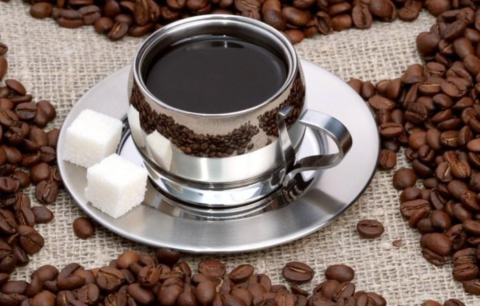Названа причина, почему кофе нужно пить с сахаром