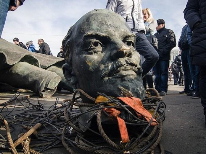 Из украинских городов и сел исчезли 1200 Лениных