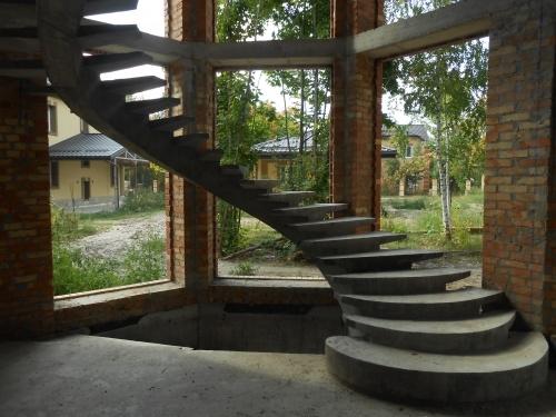 Лестница в доме. Нюансы выбора и установки