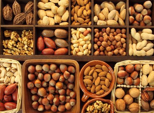 Ученые рассказали, какие орехи помогут диабетикам