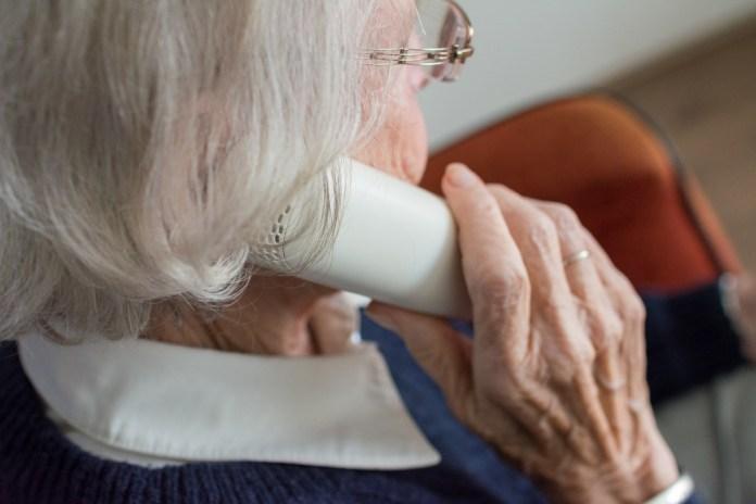 Почему при переводе с пенсии госслужащего на пенсию по возрасту урезали выплаты