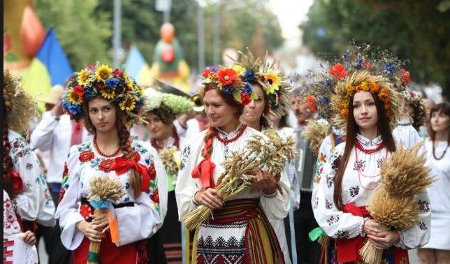 Национальный костюм: символ, гордость, самоопределение