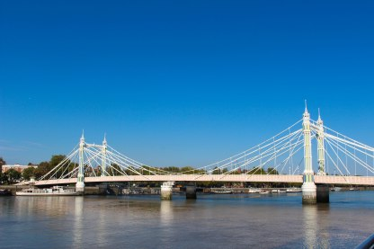My favorite bridge in London, Albert Bridge. It's so princess-y.