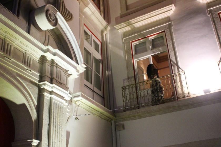 Balcony romeo outside Nneya Richards.JPG