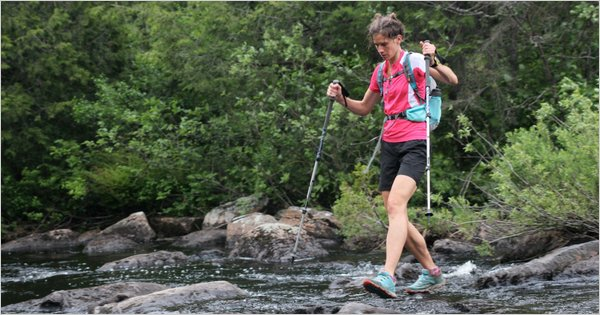 Jennifer Pharr Davis na Szlaku (źródło: http://www.nytimes.com/2011/07/24/sports/speed-hiker-pharr-davis-thrives-on-rhythms-of-appalachian-trail.html?_r=0)