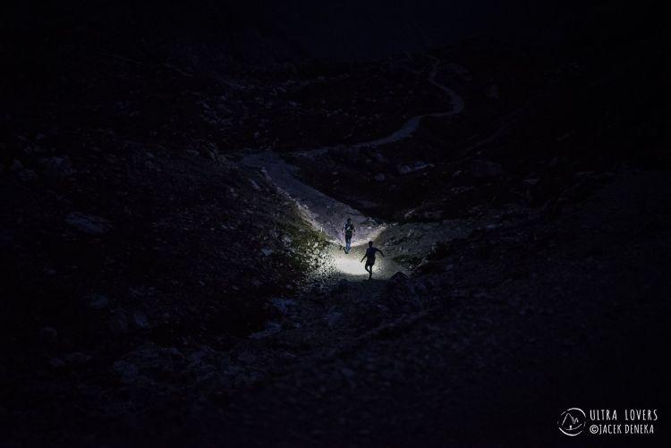 Lavaredo Ultra Trail nocą, Fot. Ultralovers Jacek Deneka