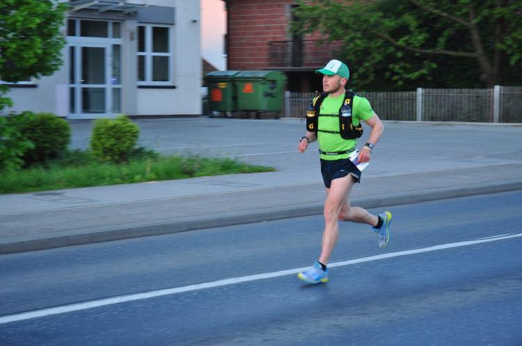 Tomek podczas Ultramaratonu Podkarpackiego. Fot. Janusz Jędrzejczyk