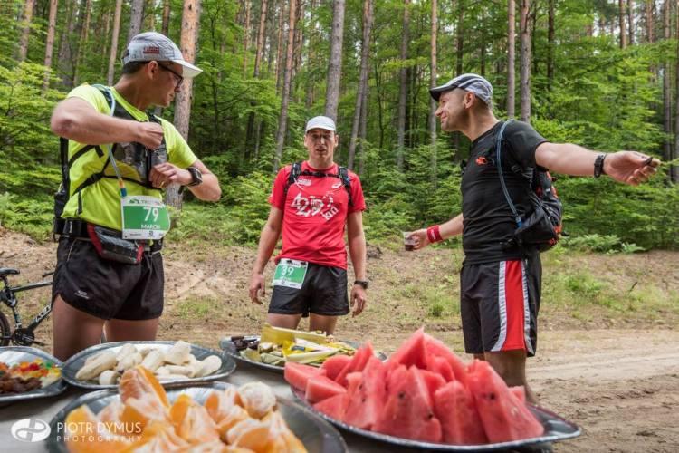 Tricity Trail 2015. Punkt żywieniowy. Fot. Piotr Dymus
