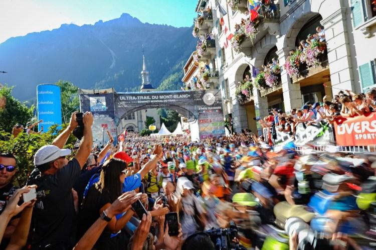 Start UTMB w Chamonix. Fot. Franck Oddoux
