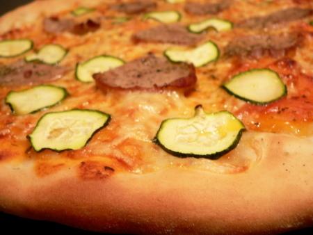fensi špensi pizza is telečmu filejem