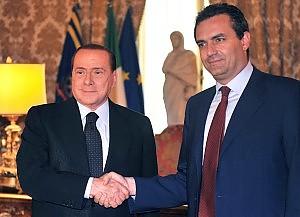Rifiuti, summit de Magistris-Berlusconi e il governo va sotto su un odg del Pd