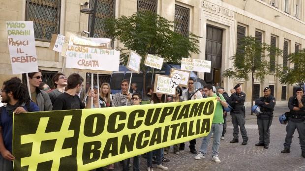 Roma via nazionale gli indignati in tenda chiuso for Palazzo delle esposizioni via nazionale roma