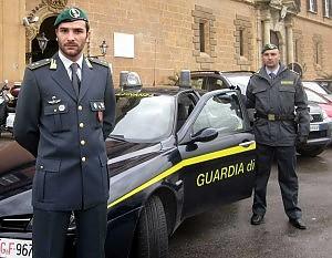 Napoli, arrestati manager e un prefetto per i lavori al Cen della polizia