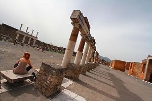 """Pompei, l'Unesco detta i tempi """"Il governo adotti misure entro quest'anno"""""""