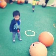 ただのボールの広場ですが、なんだかすごく楽しいみたいで、ここで一番長く遊んでいました。。