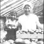 FedArchives1_Fig2-Uyeji-kids-in-greenhouse—brightened