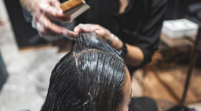 women can get breast cancer from hair relaxers and dyes